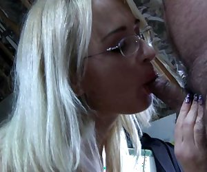 Blonde horny secretary sucking dirty old man small dick during her break time