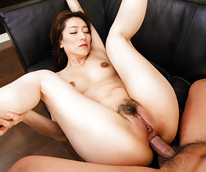 Marina Matsumoto threesome sex in harsh manners