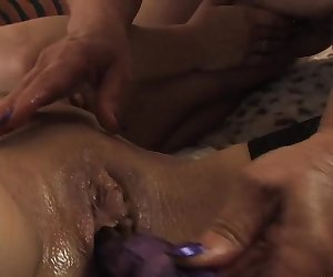 Lesbische spielchen mit der Nachbarin