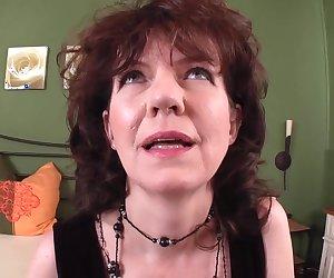 Stickende Haarige MILF Fotze gefilmt