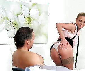 Muscular Stud's Cock Pleasures Agent