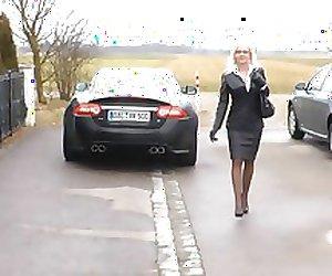 fetish queen falda de cuero amiga