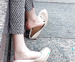 Shoe Dangle Goddess - CANDID High Heels - WOW!!!!!