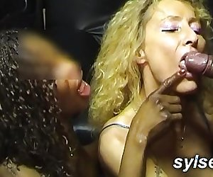 3 bitches in a sexshop: flashing and groupsex