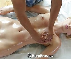 PornPros - Stunning blonde Staci Carr goes in for massage an