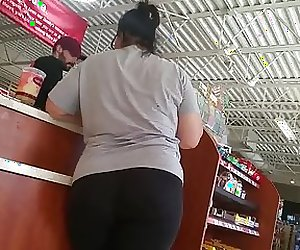 Thick mature pawg booty in leggings