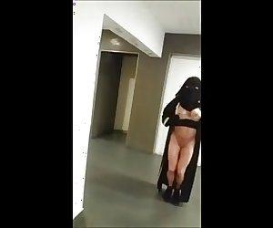 nue sous mon niqab en exterieur