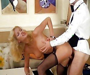 Brigitte Lahaie Enquetes (1979) sc10