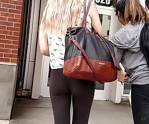 Candid blonde in tight leggings (slow-mo)